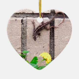 FLOWER LIZARD CERAMIC HEART ORNAMENT
