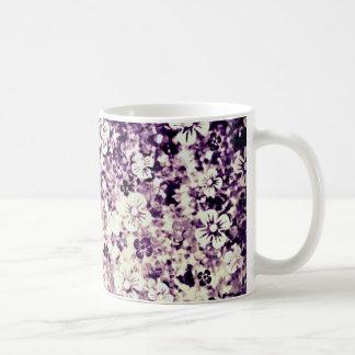 Flower power dans l'art violet et floral de minuit tasse à café