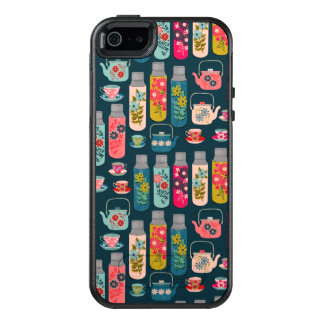 Flower Tea Vintage Florals / Andrea Lauren OtterBox iPhone 5/5s/SE Case