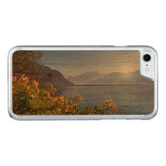 Flowers at Geneva lake, Montreux, Switzerland Carved iPhone 8/7 Case