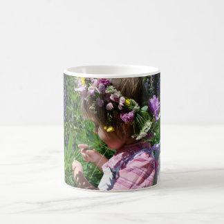 Flowers Fee Basic White Mug
