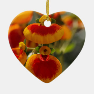 Flowers of a lady's purse flower ceramic heart ornament
