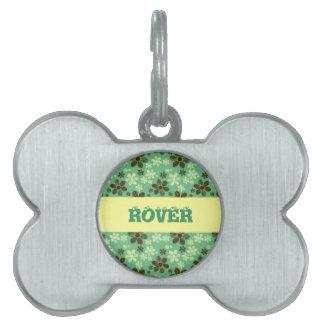 Flying daisies pet tag