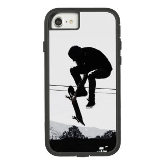 Flying High Skateboarder Case-Mate Tough Extreme iPhone 8/7 Case