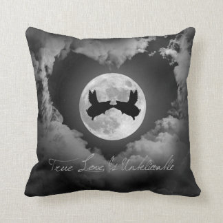 Flying Pigs Kissing-True Love Is Unbelievable Throw Pillow