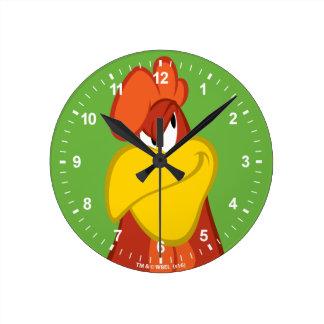 Foghorn Leghorn   Mischievous Stare Round Clock