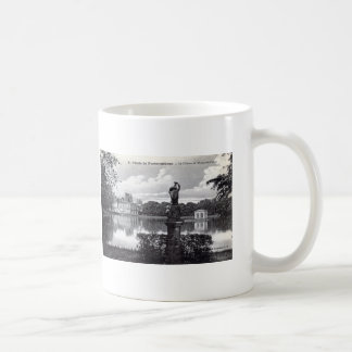 Fontainebleau Palace, France 1910 Vintage Coffee Mug