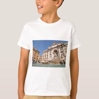 Fontana di Trevi in Rome, Italy T-Shirt
