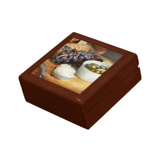 Food - Fruit - Gherkins and Grapes Gift Box