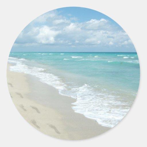 Footprints on White Sandy Beach, Scenic Aqua Blue Round Sticker