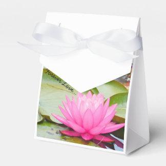 Forever Love Wedding Favors.... Favor Box