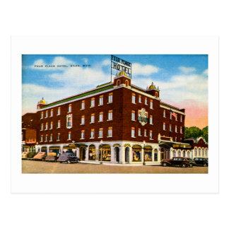 Four Flags Hotel, Niles, Michigan Postcard