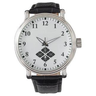 Four flower water caltrop wristwatch