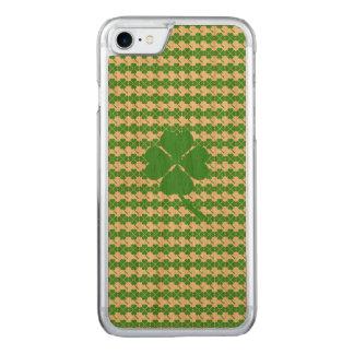Four-leaf clover carved iPhone 8/7 case
