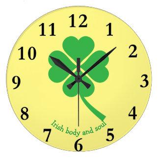 Four-leaf clover large clock