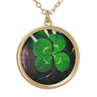 Four Leaf Clover Lucky Round Pendant Necklace