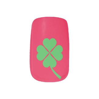 Four-leaf clover minx nail art
