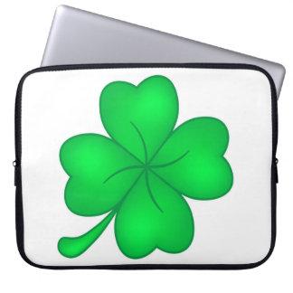 Four-leaf clover sheet laptop sleeve