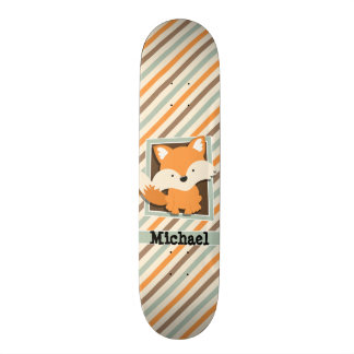 Fox de région boisée ; Vert sauge, orange, rayures Skateboard 20,6 Cm