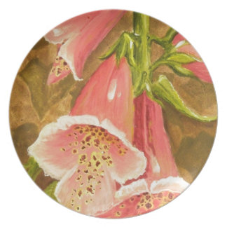 Foxy Foxglove of Williamsburg.JPG Party Plates