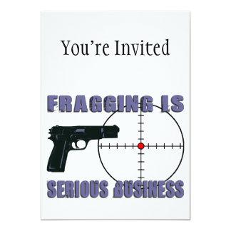 Fragging est des affaires sérieuses carton d'invitation  12,7 cm x 17,78 cm