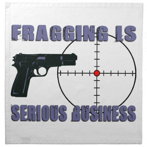 Fragging est des affaires sérieuses serviettes en tissus