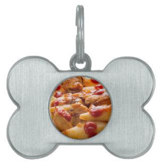 Fragment portion conchiglioni pasta and turkey pet tag