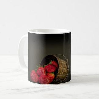 Fraise in pot coffee mug