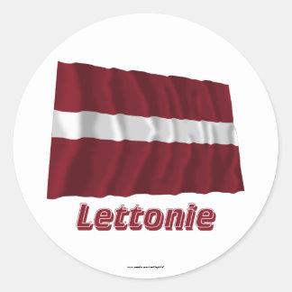 Français de Drapeau Lettonie avec le nom en Sticker Rond