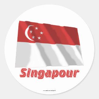 Français de Drapeau Singapour avec le nom en Sticker Rond