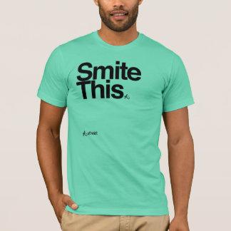 frappez ce T-shirt de caractères gras