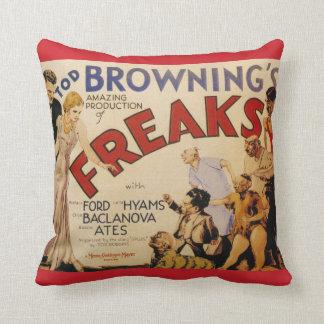 Freaks (Tod Browning, 1932) Throw Pillow