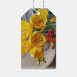 freesias bouquet gift tags