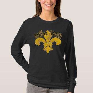 French Qui Que with Gold Fleur De Lis T-Shirt