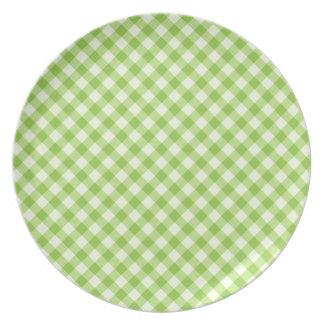 Fresh, green gingham pattern plate