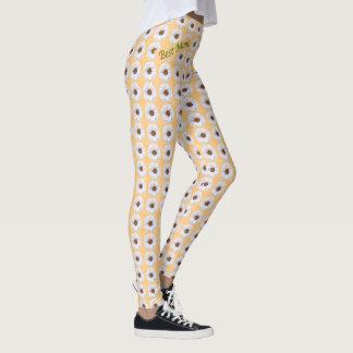 Fresh White Zinnias Pattern Best Mom Leggings