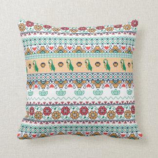 Frida Kahlo | Patrón de Colores Throw Pillow