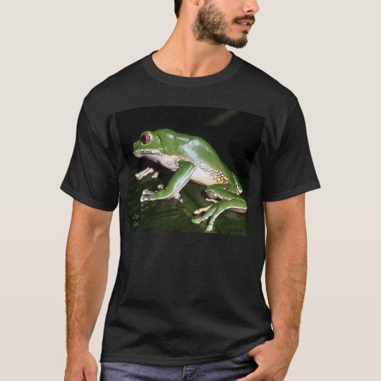 frog2_dkbgrnd T-Shirt