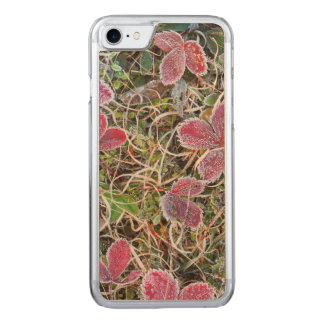 Frost covered leaves, Canada Carved iPhone 8/7 Case