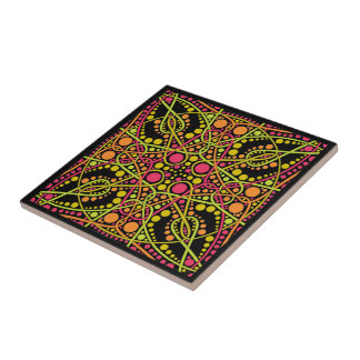 Fuchsia and green geometric pattern tile