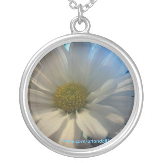 """""""FULL DAISEY"""" PENDANT NECKLACE"""