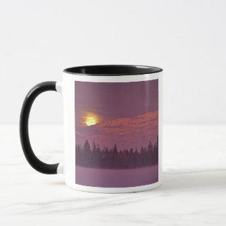 Full moon rises over Teakettle Mountain during Mug