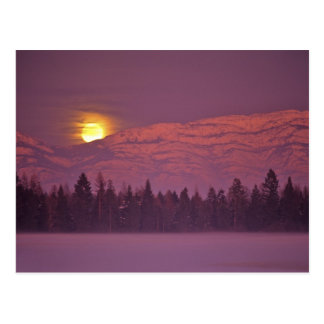 Full moon rises over Teakettle Mountain during Postcard