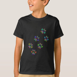 Fun animal paw prints. T-Shirt