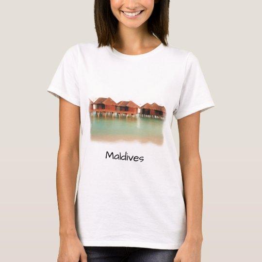 Fun Maldives Island Beach Bungalows Cool Souvenir T-Shirt