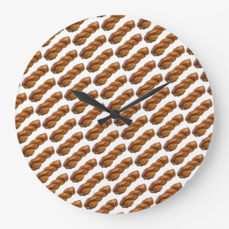 Fun Round Wall Clock Glazed Twist White