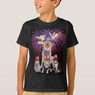 Funny Dog & Cats July 4th T-Shirt