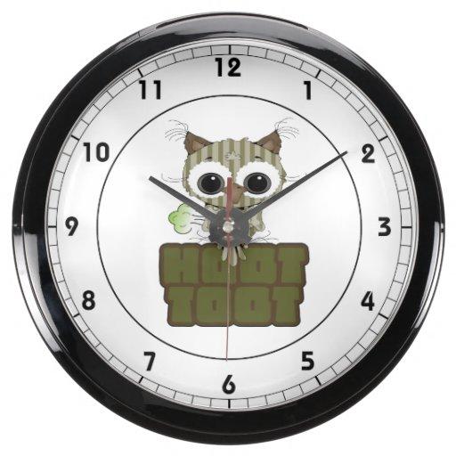 Funny Hoot Toot Cute Farting Owl Aquavista Clock