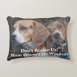 Funny Mom Doesn't Do Windows Beagle Decorative Pillow