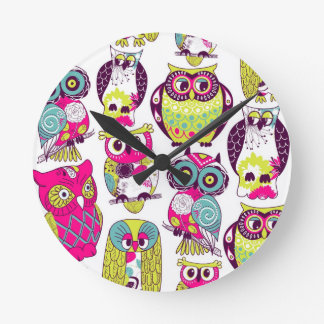 Funny owls pattern clock